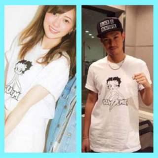 今市隆二 白石麻衣の同じTシャツいている写真